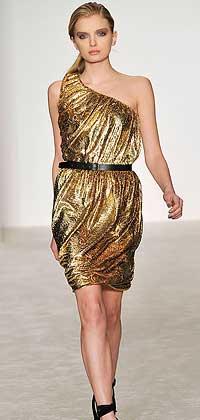 Золотое платье на одно плечо