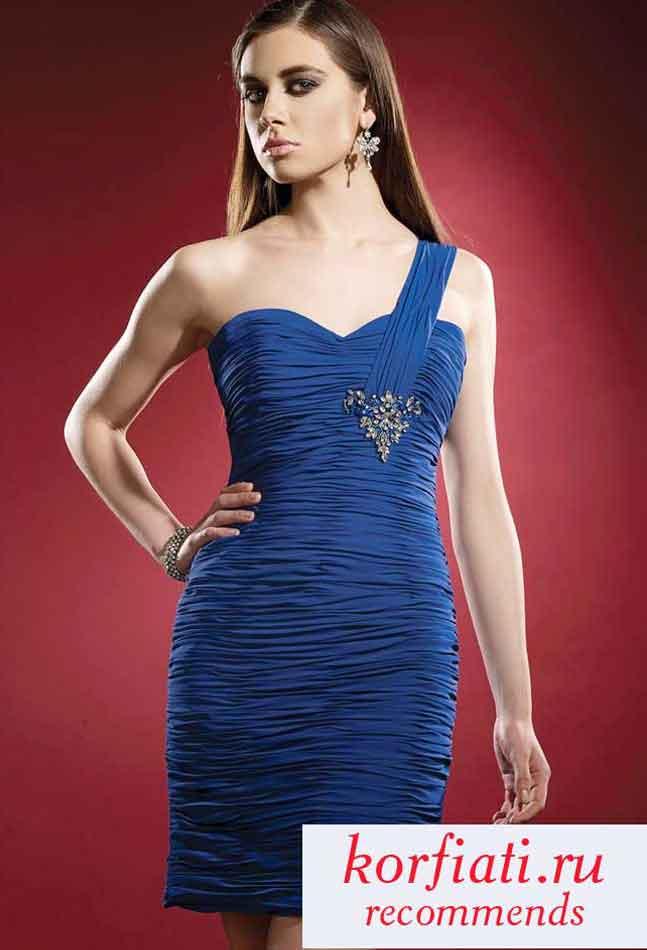 Темно синее платье с драпировкой