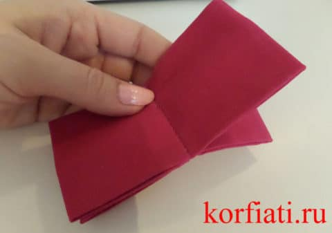 Подготовленный галстук-бабочка без перемычки