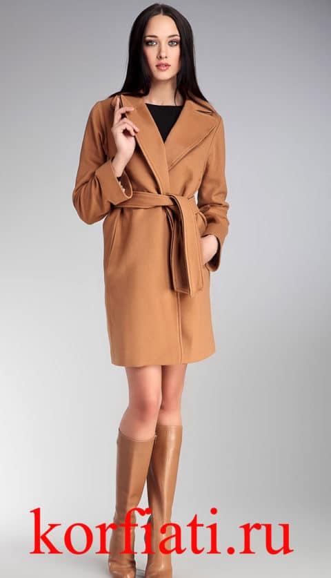 Пальто с карманами в швах